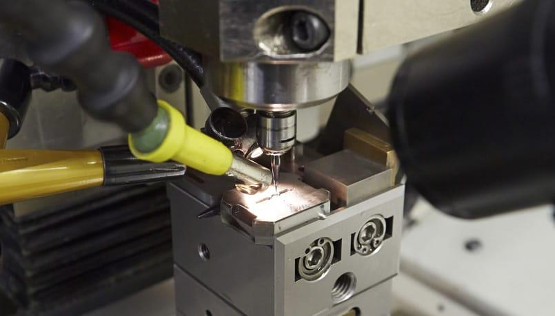 Micromecanizado convencional de ultraprecisión