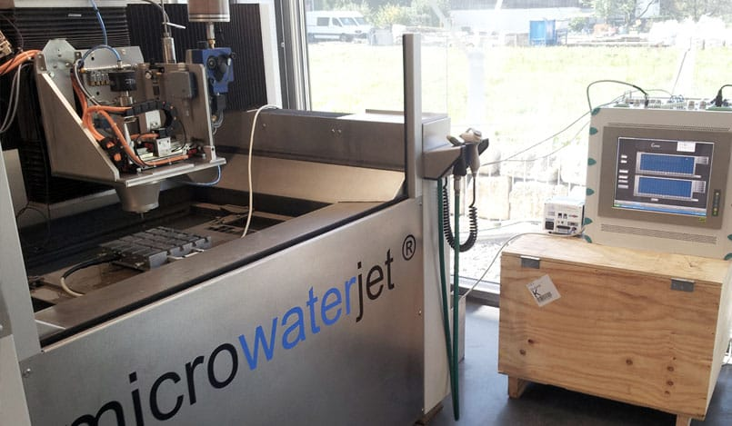 Online control of a waterjet milling system