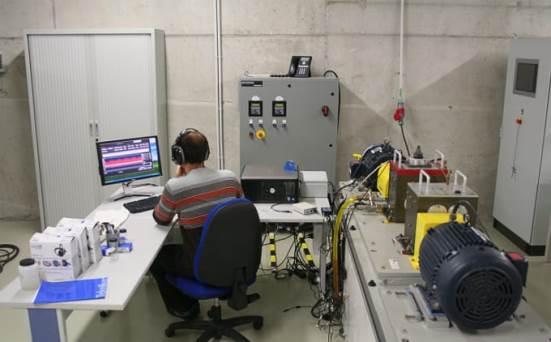 Gearbox Prognostics Simulator (GPS), SpectraQuest engranajeen saiakuntza-bankua