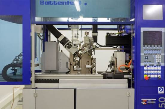 Battenfeld Microsystems 50 micro injection machine