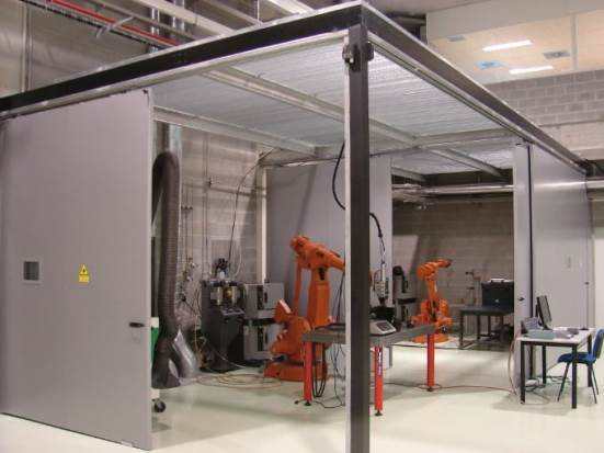 Robotised recharge cell and laser cladding