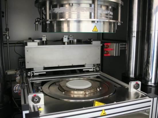 Sistema de estampado en caliente/litografía de nanoimpresión Jenoptik HEX 03