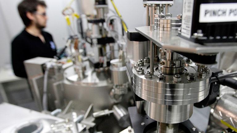 Jardunaldia, ihesen detekzioa, helioa, gasa, industria