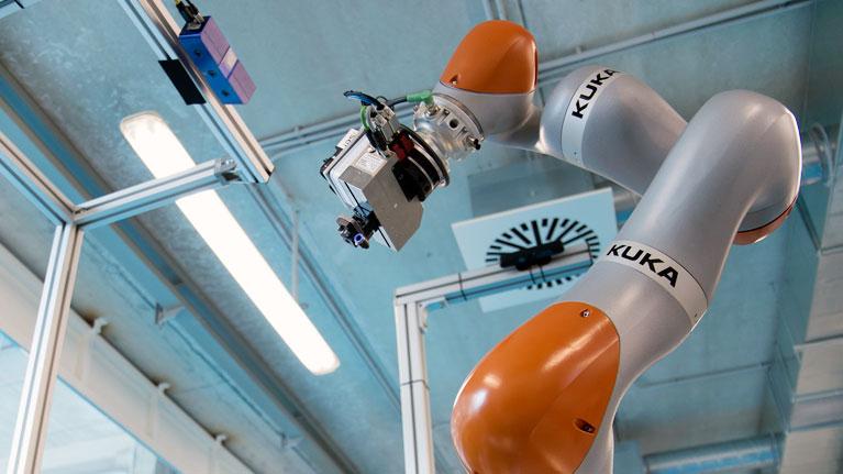 Collaborative robotics, inspection, aeronautics