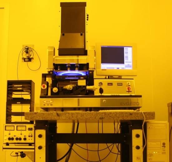 Ultramoreko fotolitografiarako EVG 620 lerrokatzeko makina